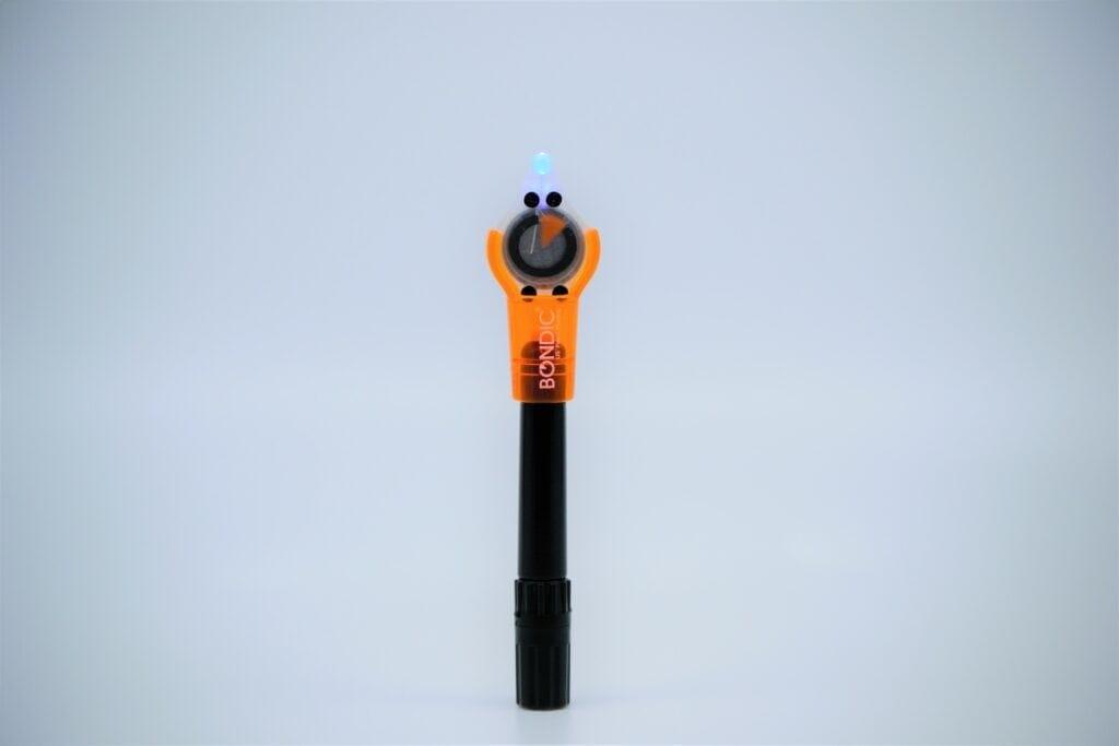 An image of Bondic UV light pen